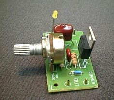 circuito regulador de velocidad del motor de CA basada triac está diseñado para controlar la velocidad de motores de corriente alterna como las máquinas de perforación, ventiladores, aspiradoras, etc.