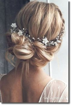 See bridal coiffure instance quick hair pictures picture Wedding Hair And Makeup, Wedding Beauty, Hair Wedding, Hairstyle Wedding, Chignon Updo Wedding, Wedding Gifts, Wedding Up Do, Short Bridal Hair, Bridal Makeup