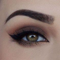 Curso de Maquiagem #passoapasso #maquiagemdeliciada #olhos #festa #boneca #simples #formatura #casamento #leve #noite #make Natural Eyes, Natural Eye Makeup, Makeup Brands, Human Eye, Eyes, Natural Makeup Looks