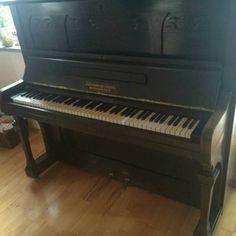 Verkaufe schönes gut erhaltenes Klavier! Das Klavier ist in den letzten Jahren nur zur Deko...,Klavier zu verkaufen in Bayern - Burghausen