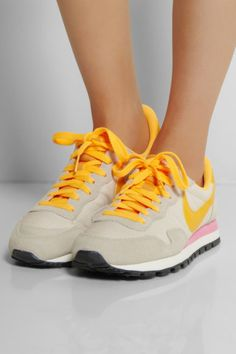 Nike | Air Pegasus 83 leather, suede and mesh sneakers | NET-A-.  Loopschoenen ...