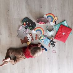 MyFUNvelope Monthly Craft Kits * gift idea for Canadian kids * The best Christmas gifts inspires curiosity and keep children interested and engaged. Myfunvelope craft kits do just that. Best Christmas Gifts, Holiday Gifts, Love Mail, Steam Activities, Holiday Gift Guide, Craft Kits, Curiosity, Special Gifts, Gifts For Kids