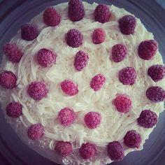 Frambuazlı beyaz pasta