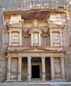 The Treasury, #Petra by Bernard Gagnon #travel #Jordan #ChiefWorldExplorer