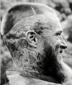 Travis Fimmel as Ragnar Lothbrok in Vikings Vikings Show, Vikings Game, Vikings Tv Series, Travis Fimmel Vikingos, Vikings Travis Fimmel, Ragnar Lothbrok Vikings, Ragnar Lothbrook, Vikings Halloween, Viking Series