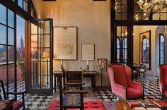 Palazzo Chupi, em Nova York. Projeto de Julian Schnabel. #arquitetura #arte #art #artlover #design #architecturelover #instagood #instacool #instadesign #instadaily #projetocompartilhar #shareproject #davidguerra #arquiteturadavidguerra #arquiteturaedesign #instabestu #decor #architect #criative #cor #harmonia #colours #harmony #palazzochupi #julianschnabel #novayork