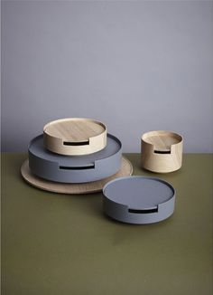 wow - like this! simple round couch table