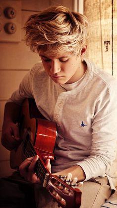 Niall Horan (My future husband) =) Niall Horan Baby, Naill Horan, Irish Boys, Irish Men, One Direction Pictures, I Love One Direction, Vente Pa Ca, Niall E Harry, Zayn
