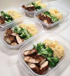 Lunch: Cajun Chicken Breasts w/ Steamed Broccoli & Garlic Cheddar Mashed Cauliflower See my previous post for Cajun chicken recipe. Mashed cauliflower recipe on my website. by username_dopeaf Sunday Meal Prep, Lunch Meal Prep, Meal Prep For The Week, Healthy Meal Prep, Healthy Snacks, Healthy Eating, Healthy Recipes, Keto Recipes, Healthy Weekend Meals