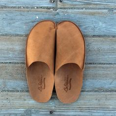 Mens Slippers by ConPiel Men Slippers house shoes. Try now our best original mens leather slippers is lined with genuine cow for wonderful comfort and Leather Slippers For Men, Mens Slippers, Leather Men, Leather Shoes, Mens Designer Shoes, Minimalist Shoes, Mocassins, Shoe Pattern, How To Make Shoes