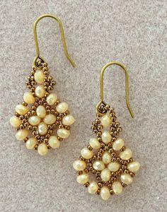 Linda's Crafty Inspirations: Free Mini Tutorial: Easy Earrings Variation by lucile Seed Bead Jewelry, Seed Bead Earrings, Diy Earrings, Beaded Jewelry, Handmade Jewelry, Beaded Bracelets, Hoop Earrings, Seed Beads, Gold Jewellery
