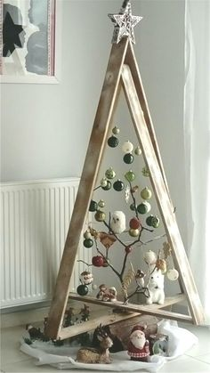 45 Easy DIY Woodworking and Pallet Projects for Beginners Woodworking is the s… Christmas Crafts Pin 🎄 Christmas Tree Quotes, Wood Christmas Tree, Rustic Christmas, Christmas Crafts, Christmas Ornaments, Xmas, Simple Christmas, Christmas Decorations For The Home, Holiday Decor