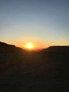 Pæska - altaskiferfjellet . Midtnattsol i Finnmark - Alta