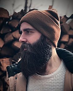 Men's Hairstyles Take On a Sexy New Look! Badass Beard, Epic Beard, Full Beard, Hair And Beard Styles, Hair Styles, Black Men Beards, Awesome Beards, Beard Tattoo, Facial Hair