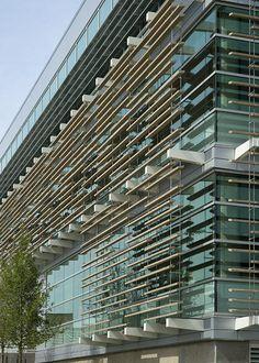 University of Texas at Dallas Student Services Futuristic Architecture, Facade Architecture, Building Facade, Building Design, Metal Facade, Solar Shades, Glass Facades, Exterior Cladding, Balcony Design