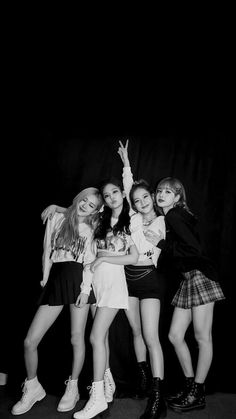 Kim Jennie, Kpop Girl Groups, Korean Girl Groups, Kpop Girls, Yg Entertainment, Blackpink Outfits, Black Pink ジス, Blackpink Poster, Lisa Blackpink Wallpaper
