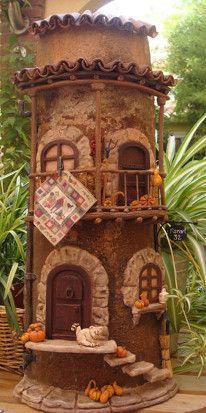 tejas decoradas - Buscar con Google Clay Houses, Ceramic Houses, Miniature Houses, Clay Fairy House, Fairy Houses, Tile Crafts, Clay Crafts, Clay Fairies, Spanish Tile