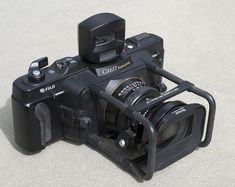I want to find one of these, I could love to shoot with this. fuji gx617 body Review: The Fuji GX617 Panoramic Beast