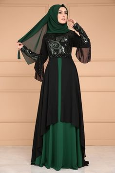 ** YENİ ÜRÜN ** Payet İncili Şifon Abiye Zümrüt Ürün kodu: DMN7959 --> 189.90 TL Hijab Evening Dress, Chiffon Evening Dresses, Turkish Fashion, Islamic Fashion, Model Baju Hijab, Abaya Fashion, Fashion Dresses, Chiffon Hijab, Habits Musulmans