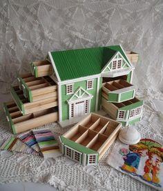 <3 <3 <3 Dollhouse sewing box - wow!