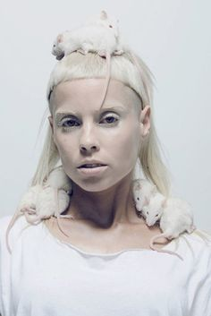 Yolandi................ shes the shit.. and I love her.. and wish I was as badass as she is <3 Yolandi Visser, Die Antwoord, Sixteen Jones, Esperanza Spalding, Beautiful People, Beautiful Person, I Like You, Chappie, Boyfriends