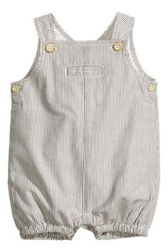 H-M-s Spring Newborn Collection Is Soft, Sweet Perfection Baby Outfits, Newborn Outfits, Baby Boy Fashion, Fashion Kids, Baby Overalls, Overalls Style, Overalls Fashion, Baby Boy Dress, Summer Boy