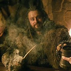Richard as Thorin Oakenshield in the Hobbit movies Thorin smoking and drinking.