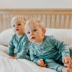Blonde Twins, Baby Kids, Baby Boy, Gal Gadot Wonder Woman, Cute Kids Photography, Terrible Twos, Thomas The Tank, Teen Mom, How To Have Twins