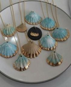 16 diy seashell crafts that are actually really cute sea designs find this pin and more on seashells by the seashore by tracy leboeuf solutioingenieria Gallery