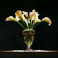 OTTORINO DE LUCCHI, born in Ferrara, works in Folgaria (Trento). In recent years, he has developed a painting technique b. Still Life Flowers, Coloured Pencils, Container Flowers, Dry Brushing, Calla Lily, Ikebana, Painting Techniques, Flower Art, Watercolor Art