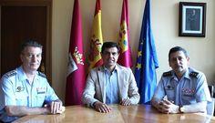EL CORONEL SALIENTE Y ENTRANTE DE LA MAESTRANZA SE REÚNEN CON EL ALCALDE DE ALBACETE  Ayuntamiento de Albacete Maestranza Aérea de Albacete Noticias Albacete