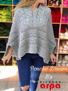 Crochet Poncho Patterns, Chunky Crochet, Crochet Cardigan, Crochet Scarves, Crochet Shawl, Crochet Clothes, Knit Crochet, Crochet Winter, Girls Sweaters