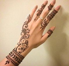 The art of henna (called mehndi in Hindi & Urdu) has been practiced for over Origin of years in Pakistan, India, Africa and the Middle East. There is some documentation that it is over 9000 years old. Because henna has natural cooling properties Henna Tattoo Designs, Simple Henna Tattoo, Henna Tattoo Hand, Henna Designs Easy, Hand Mehndi, Tattoo Forearm, Mandala Tattoo, Easy Henna, Foot Henna