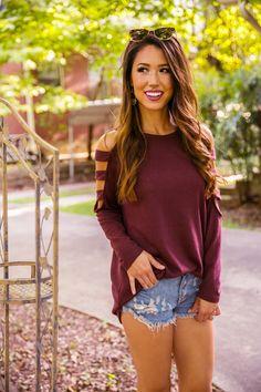 Coffee Date Tunic Sweater In Maroon $34.00