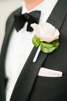 #boutonniere  Photography: Sara Norrehed Photography - www.saranorrehed.com  Read More: http://www.stylemepretty.com/2013/10/10/sweden-wedding-from-sara-norrehed-photography/