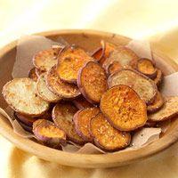 Oven-Baked Garlic-Herb Potato Chips - 9g carbs, 80 cal.