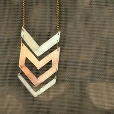 Three arrows are enough for this nice necklace.