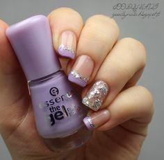 Goodly Nails: Violettia glitterillä