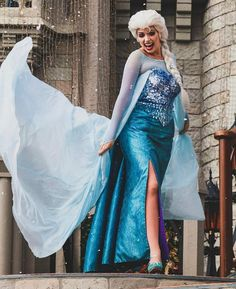 love this Elsa's curves!!