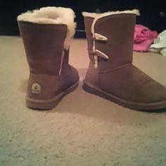 Bearpaw Boots Very slighty / rarely worn bearpaw Shoes Winter & Rain Boots