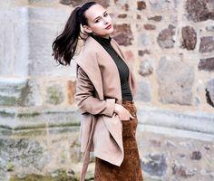 Olivia Julietta | Three Ways To Wear The Suede Skirt