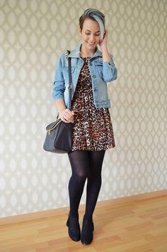 Oh, fashion!: Look: vestido de oncinha e jaqueta jeans
