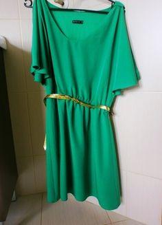 Kup mój przedmiot na #vintedpl http://www.vinted.pl/damska-odziez/krotkie-sukienki/10027771-zielona-zwiewna-sukienka-mohito-w-zestawie-z-kolczykami-i-paskiem