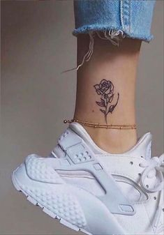 74 Tiny Unique Foot Tattoo Art Design For Woman To Try Your First Tattoo - Special Tattoo Design Small Foot Tattoos, Ankle Tattoo Small, Cute Small Tattoos, Tiny Tattoo, Ankle Tattoo Cross, Butterfly Ankle Tattoos, Cute Meaningful Tattoos, Rose Tattoo Foot, Rose And Butterfly Tattoo