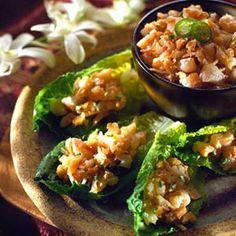 Coconut Shrimp on Romaine LeavesCoconut Shrimp on Romaine Leaves