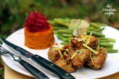 Ingwer-Zitronen-Ente mit Chili-Süßkartoffelstampf und Grünen Bohnen im rauchigen Zucchinistreifen