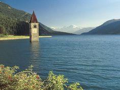 Un campanile in mezzo al lago...succede a Resia in Trentino-Alto Adige.