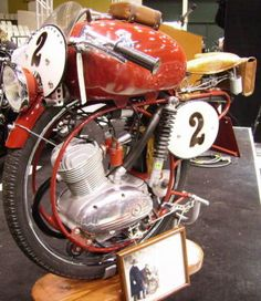 Meet The Man With The Strangest Motorcycle Speed Record Moped Motor, Mv Agusta, Go Kart, Choppers, Custom Bikes, Stunts, Cars And Motorcycles, Cyberpunk, Motorbikes