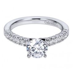 Nothing more gorgeous than a classic and timeless engagement ring style! This one is from Wedding Day Diamonds!