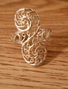 Ring silver tone filigree